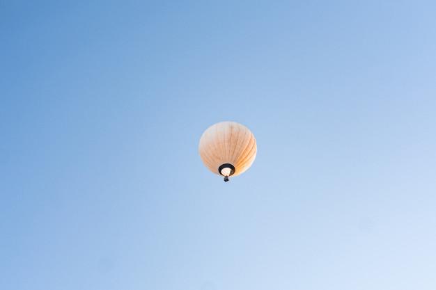 hvid luftballon